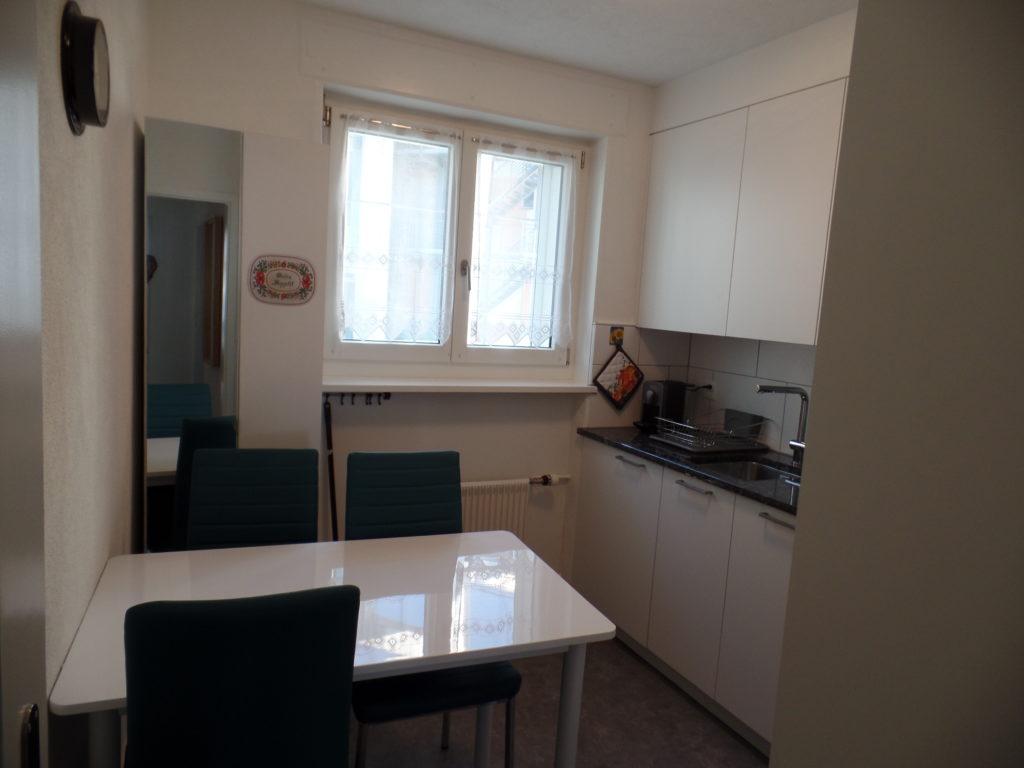 Küche Ferienwohnung Arosa Haus Viktoria