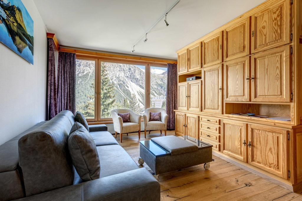 Wohnzimmer Wohnwand Ferienwohnung Arosa